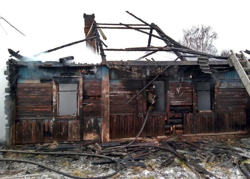 В Смоленской области в доме сгорел мужчина