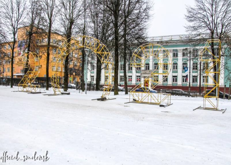 Ещё один новогодний арт-объект установили в Смоленске