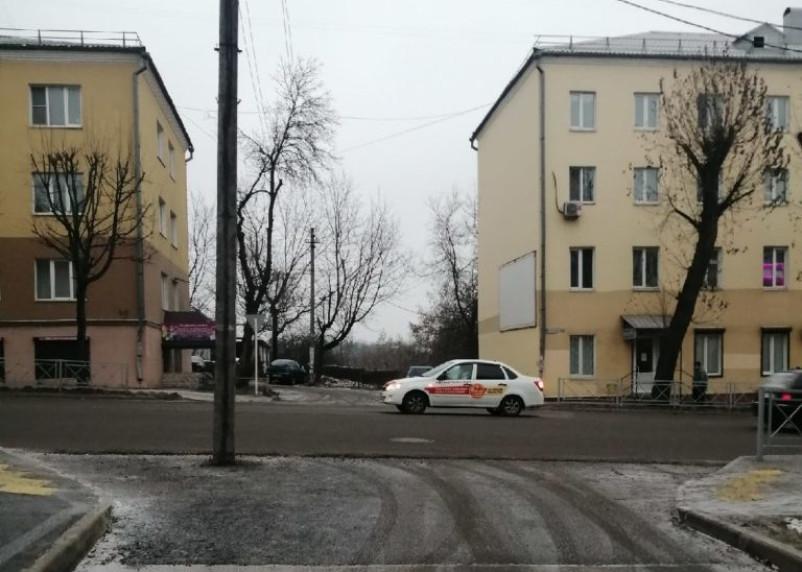 Как и зачем? Чудо-ремонт дороги на Фрунзе возмутил смолян