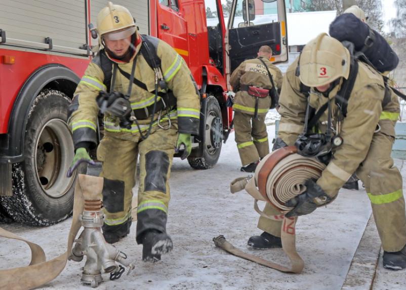 В Смоленске в девятиэтажке загорелась кабина лифта