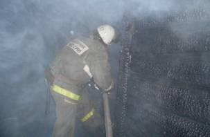 В Кардымовском районе машина сгорела с гаражом
