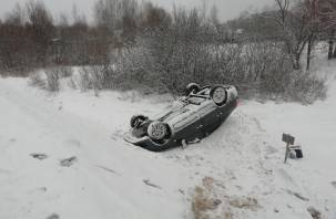 В Шумячском районе ВАЗ улетел в кювет