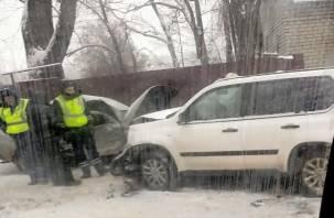 Полиция ищет свидетелей ДТП на улице Дзержинского в Смоленске