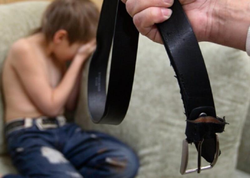 Прокуратура проверит сообщения об избивающей сына смолянке