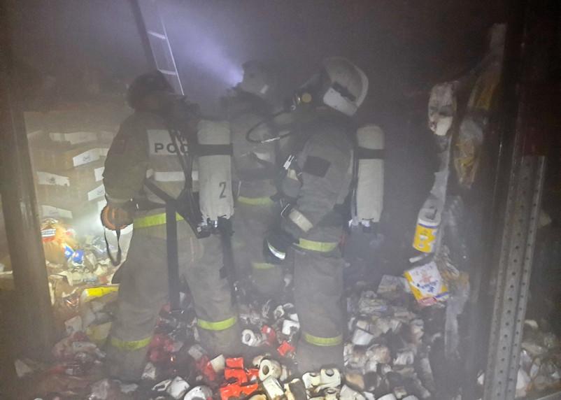 В ночном пожаре в Смоленской области пострадала женщина