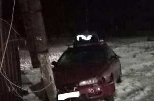 В Смоленской области Mazda сбила женщину на тротуаре