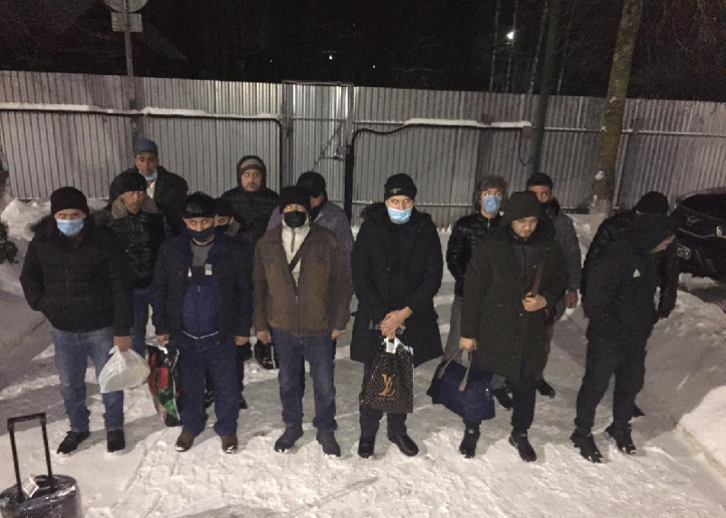 Смоленские пограничники пресекли попытку нелегальной миграции
