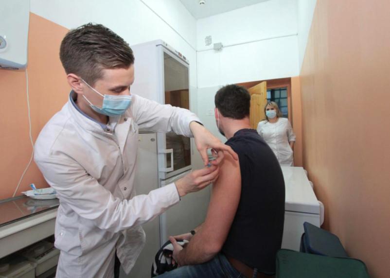 Смогут ли люди иметь иметь после вакцины от коронавируса?