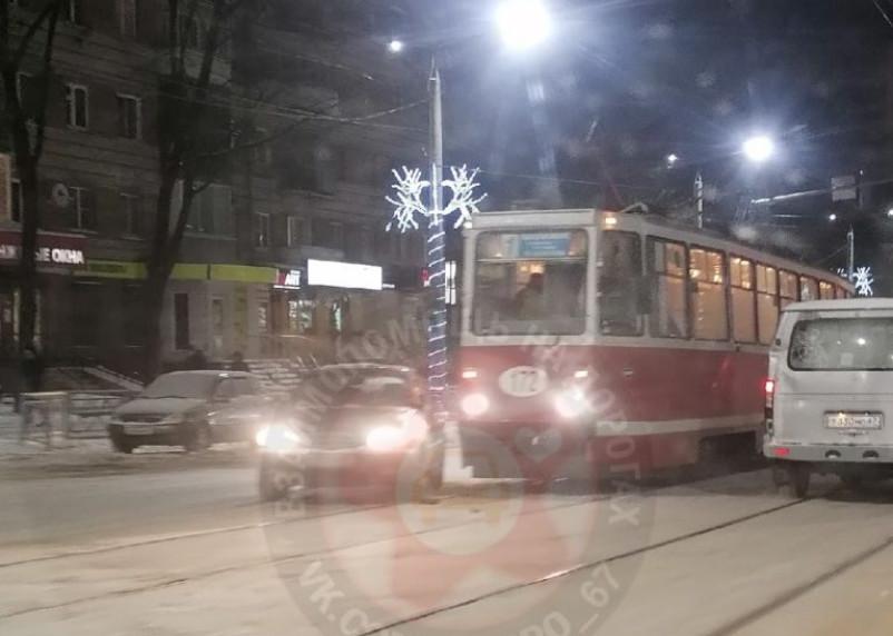 В Смоленске ДТП с трамваем спровоцировало пробку