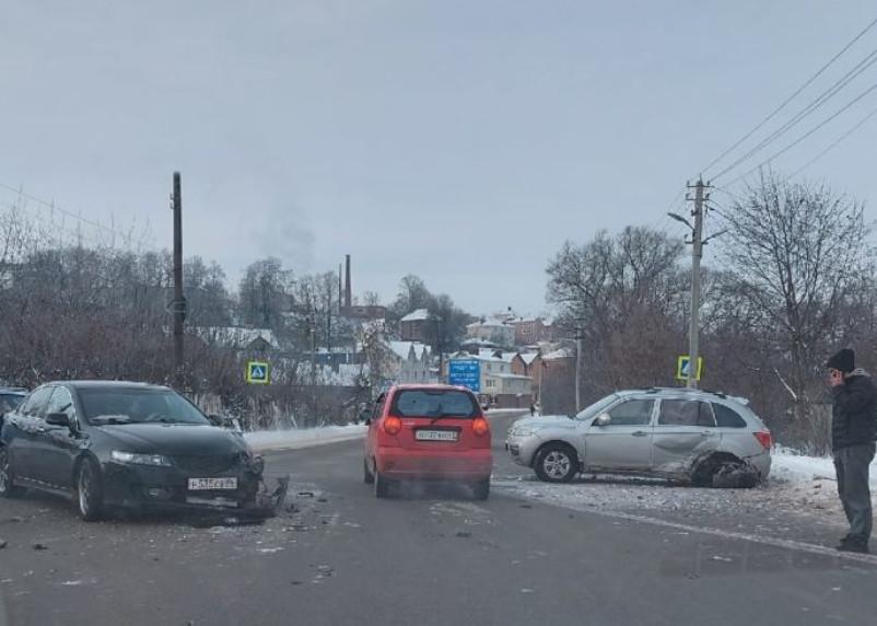 В Смоленске произошло жесткое ДТП на Большой Краснофлотской