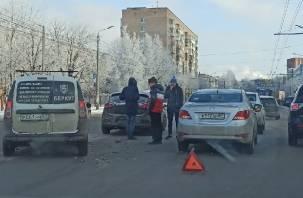 На улице Кирова произошла массовая авария