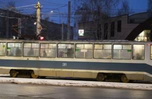 Жители Смоленска пожаловались на грязные трамваи