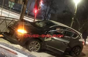 В Смоленске произошло жёсткое ДТП с маршруткой