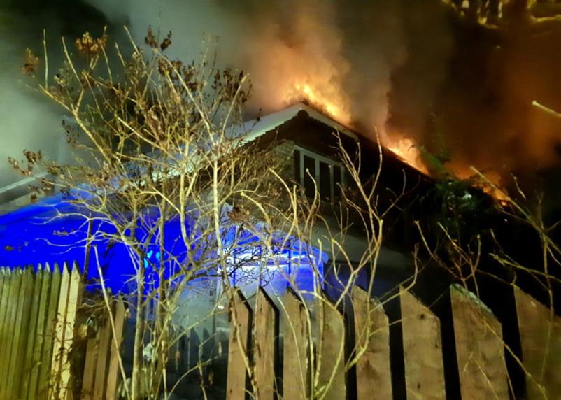 Спас внука из горящего дома. Стали известны подробности вечернего пожара в Смоленске