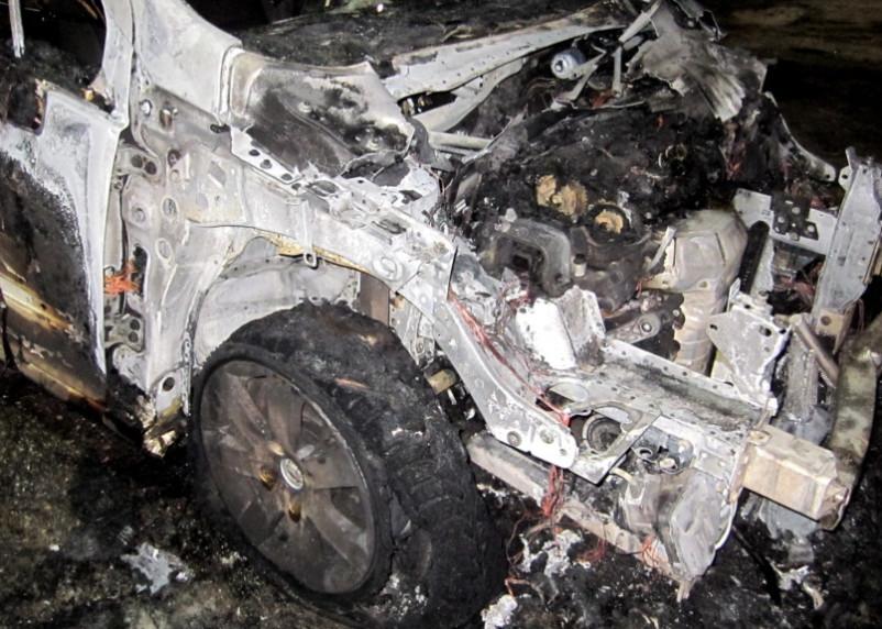 Появились подробности ночного возгорания автомобилей в Смоленске
