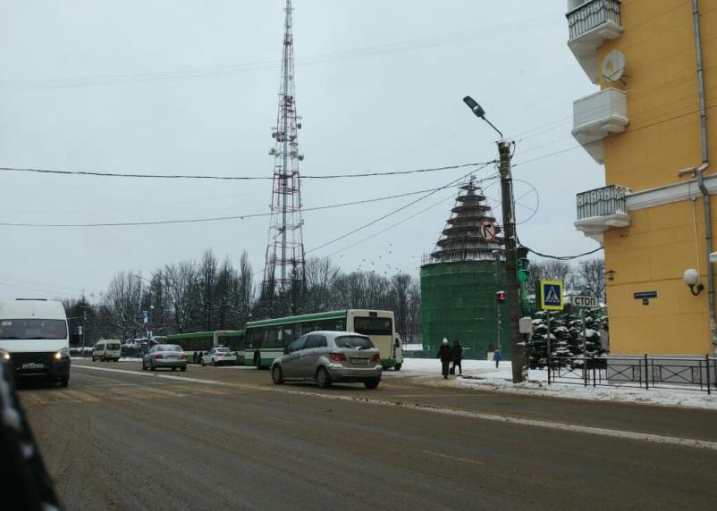 В Смоленске перекрыли площадь Ленина и парк Блонье
