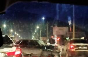 В Смоленске произошло массовое ДТП на проспекте Строителей