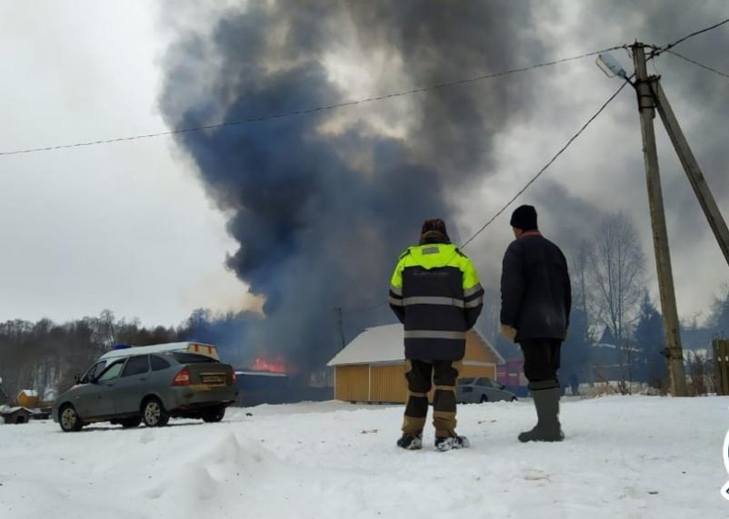 В сгоревшем доме в Гагаринском районе жили медсестра и ее 9-летний ребенок