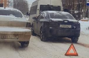 ДТП в Смоленске спровоцировало пробку на медгородке