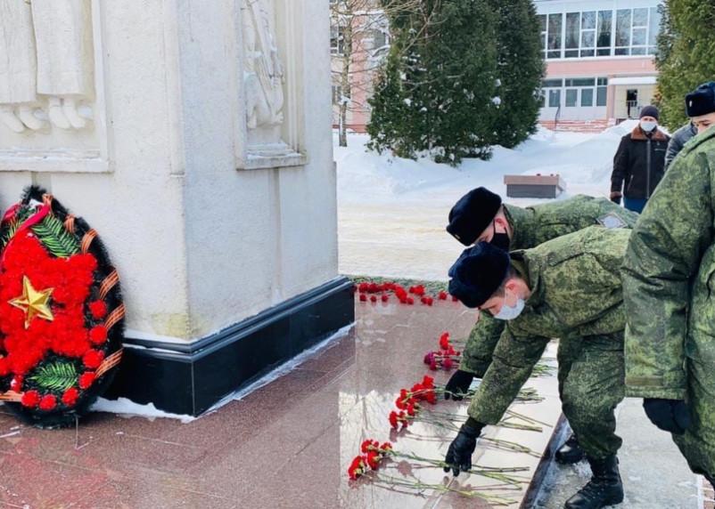 В Смоленске сотрудники УФСБ почтили память воинов-интернационалистов