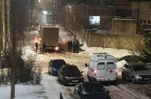 В Смоленске из-за застрявшей в снегу фуры не смогла проехать «скорая»