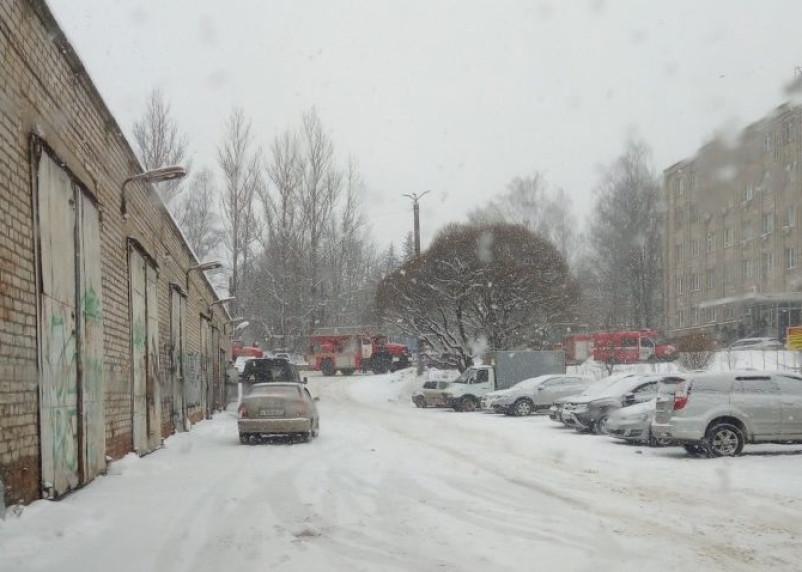 Эвакуация без пожара. В Смоленске произошел переполох в поликлинике №3