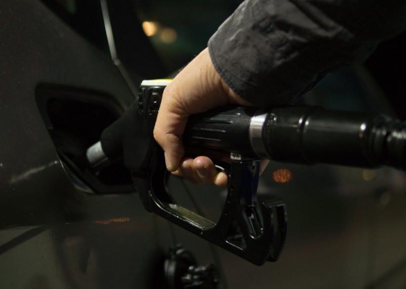 В Смоленской области подорожал бензин и дизтопливо