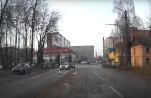 Ремонтировать дорогу в Смоленске будут фармацевты