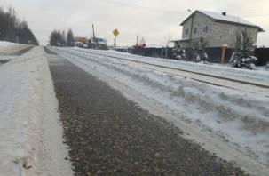 Накат и колея. Дорожные службы не чистят Досуговское шоссе