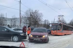 ДТП в Смоленске парализовало движение трамваев