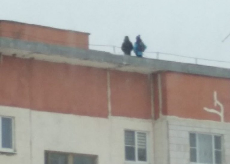 Прокуратура накажет УК за выход детей на крышу девятиэтажки