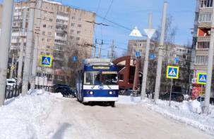 Нечищеные дороги нарушили движение общественного транспорта в Смоленске