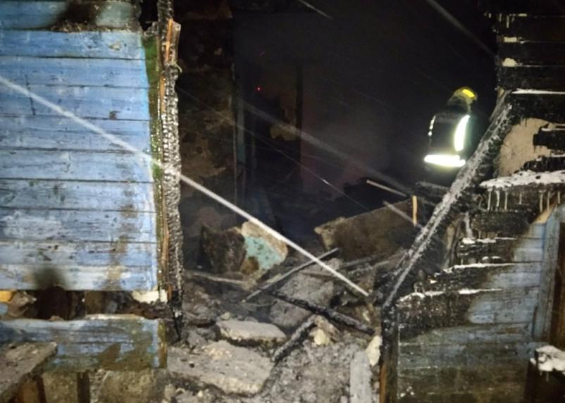 Мужчина погиб при пожаре в Сафоновском районе вечером 13 февраля