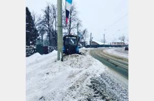 Для уборки снега в Смоленске «привлечена вся имеющаяся техника»