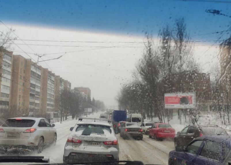Смоленск 12 марта погрузился в череду аварий
