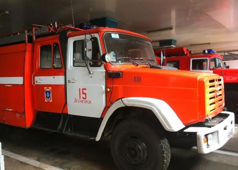 Громкий хлопок. Пожарные эвакуировали двух женщин из квартиры в Смоленске