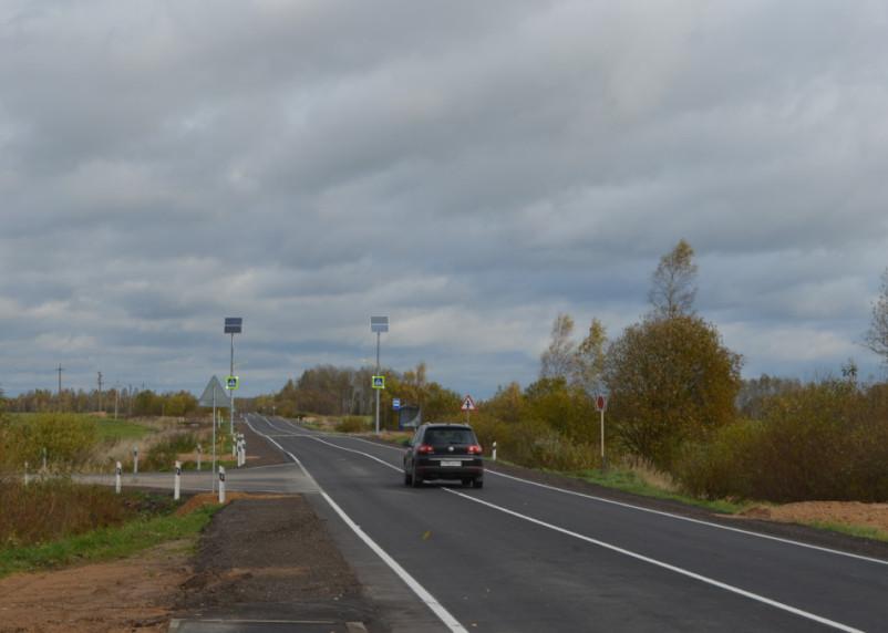 Сколько знаков, остановок и автономных систем освещения установили на дорогах в Смоленской области