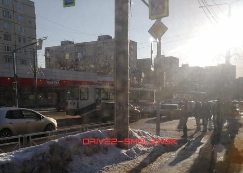 ДТП на улице Николаева не позволяют смолянам пользоваться трамваями