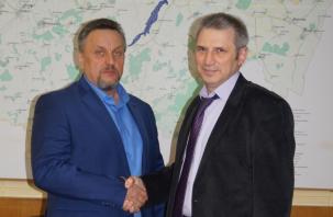 В Смоленской области переизбрали главу района. Прокуратура требовала отправить его в отставку
