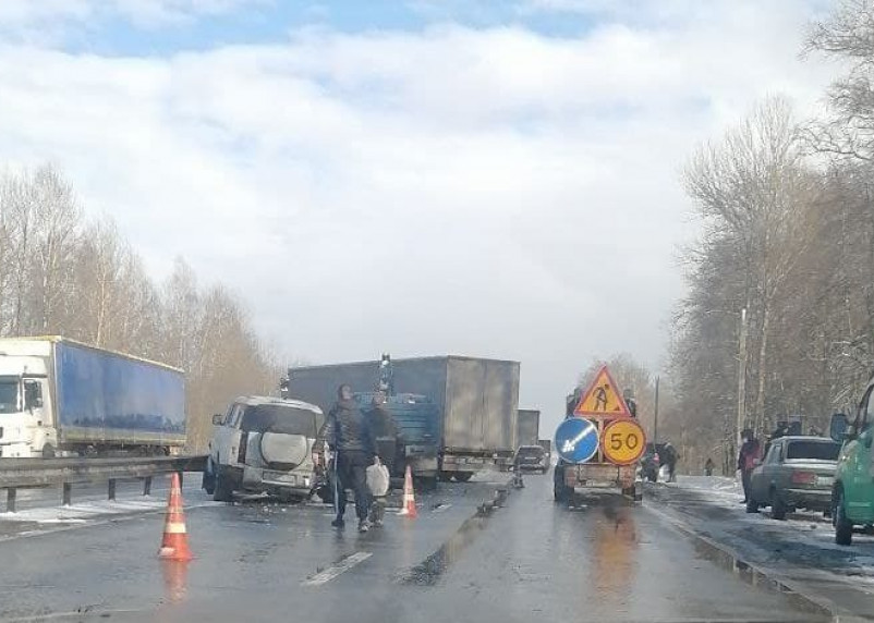 На трассе М-1 в Смоленской области произошла массовая авария