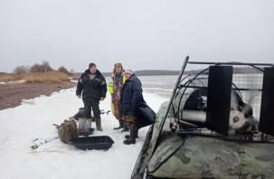 В Смоленской области трое рыбаков не смогли добраться до берега