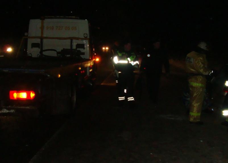 В Рославльском районе две машины вылетели в кювет