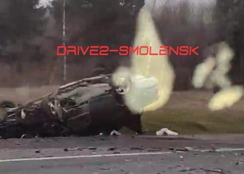 Авто перевернулось на крышу. Появились фото с места серьезной аварии с фурой в Починковском районе