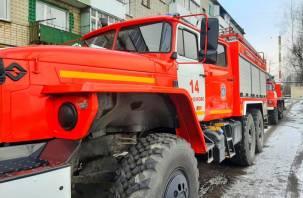На улице Попова в подъезде вспыхнул пожар