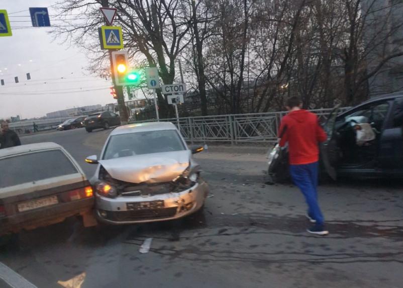 В Смоленске произошла массовая авария на Витебском шоссе