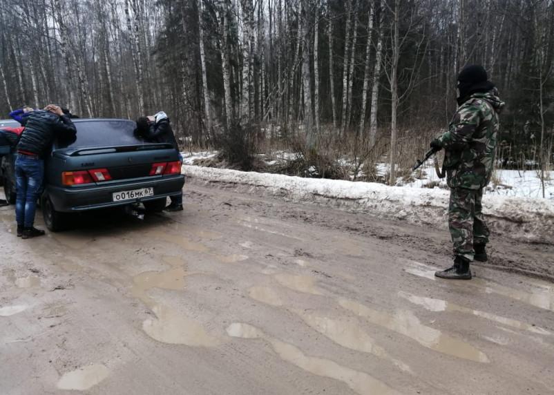 Смоляне устроили незаконные «караваны» по перевозке иностранцев через границу