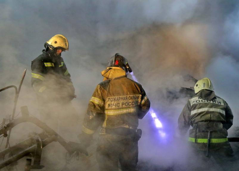 При пожаре в жилом доме в Смоленской области пострадали люди