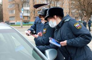 У смоленского лихача за долги по штрафам и кредиту на дороге арестовали машину