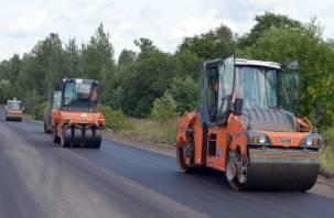 Ремонт дороги, ведущей в Смоленское Поозерье, продолжается