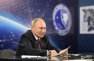Российским космонавтам увеличат зарплаты